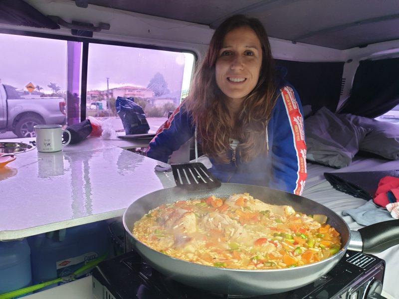 cocinar en una campervan